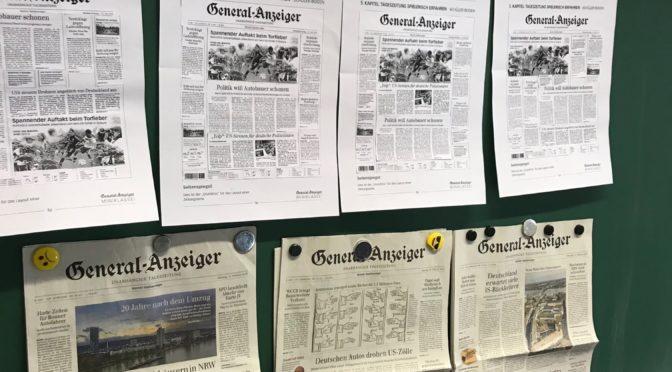Schlaue Kinder lesen Zeitung